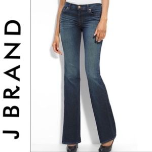 J Brand HERITAGE Boot Cut Jeans.  Size 27